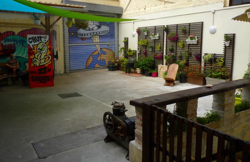 HOSTEL - Le Flâneur Guesthouse