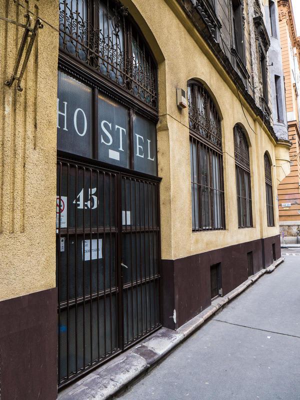 HOSTEL - DeeP Hostel