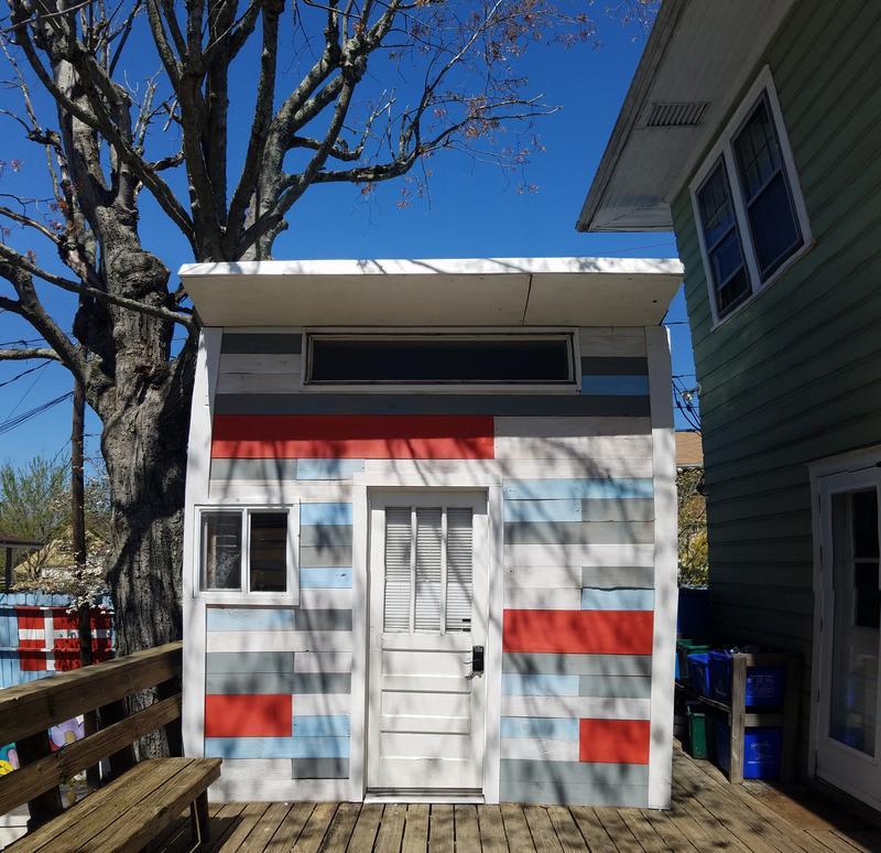 Bon Paul & Sharky's Hostel