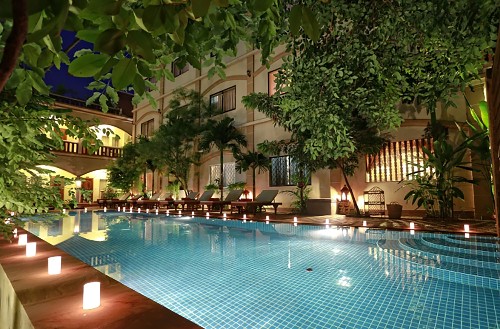 HOSTEL - Forest King Hotel