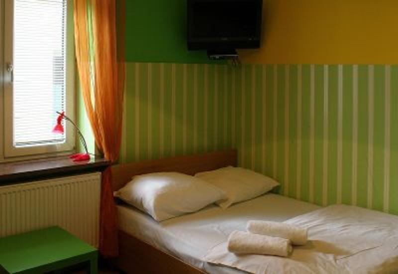 HOTEL - Kadetus