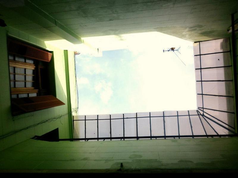 HOSTEL - Vi Luz y Entré