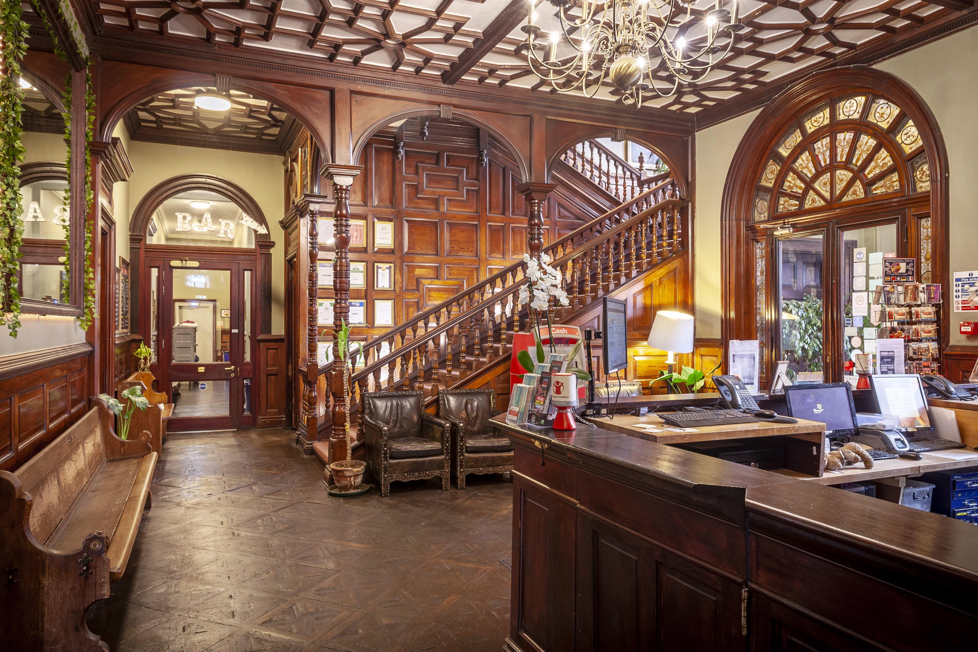 Palmers Lodge - Swiss Cottage