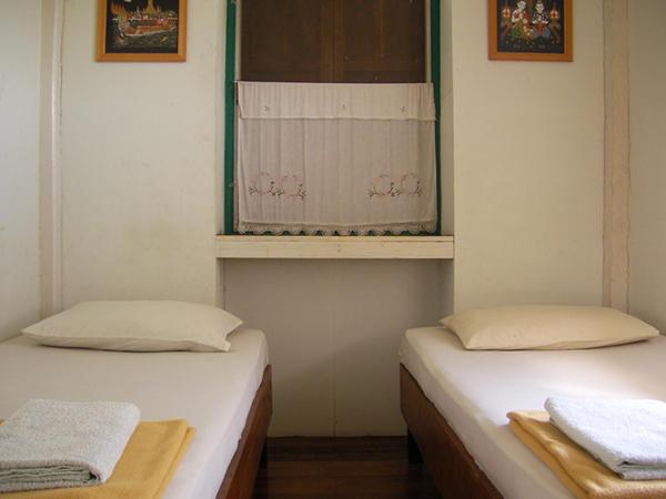 Ayutthaya Place Youth Hostel