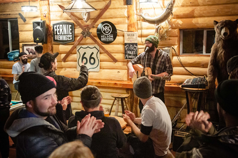 The Raging Elk International Hostel Fernie