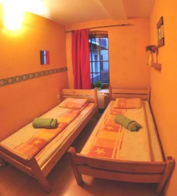 Orange Hostel - Old Town