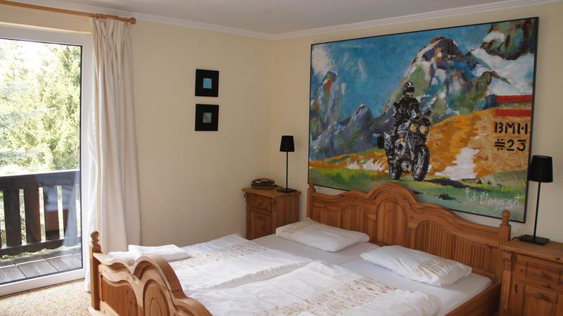 Blue Mountain Hotel & Hostel