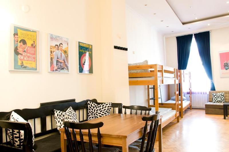 HOSTEL - 11th Hour Cinema Hostel & Apartments