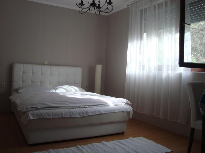 Hostel Nina