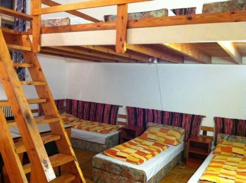 HOSTEL - Season Hostel II