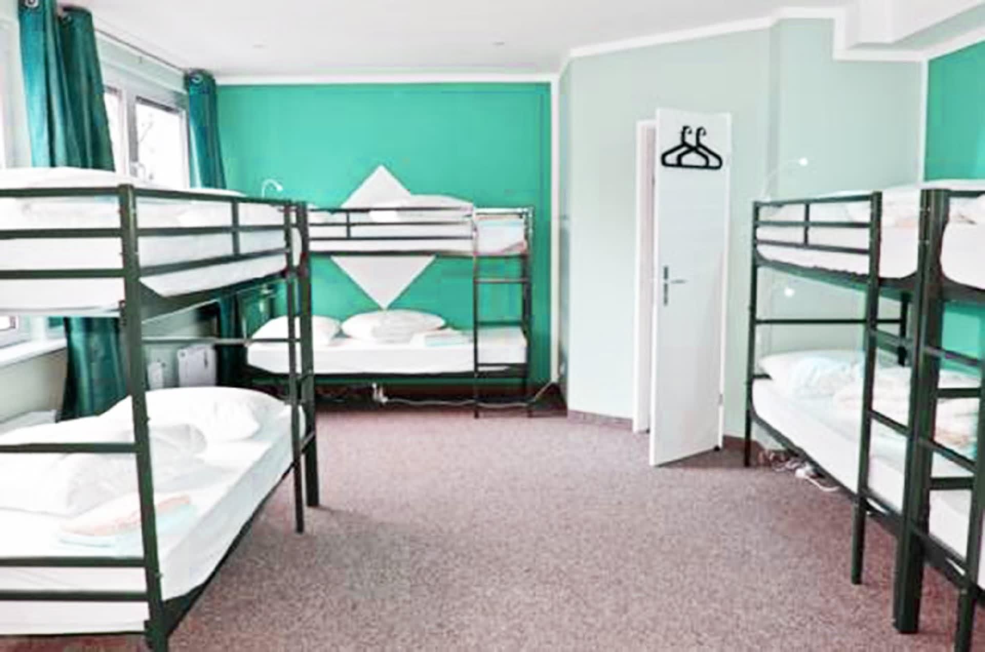 HOSTEL - YHA Cohen Hostel