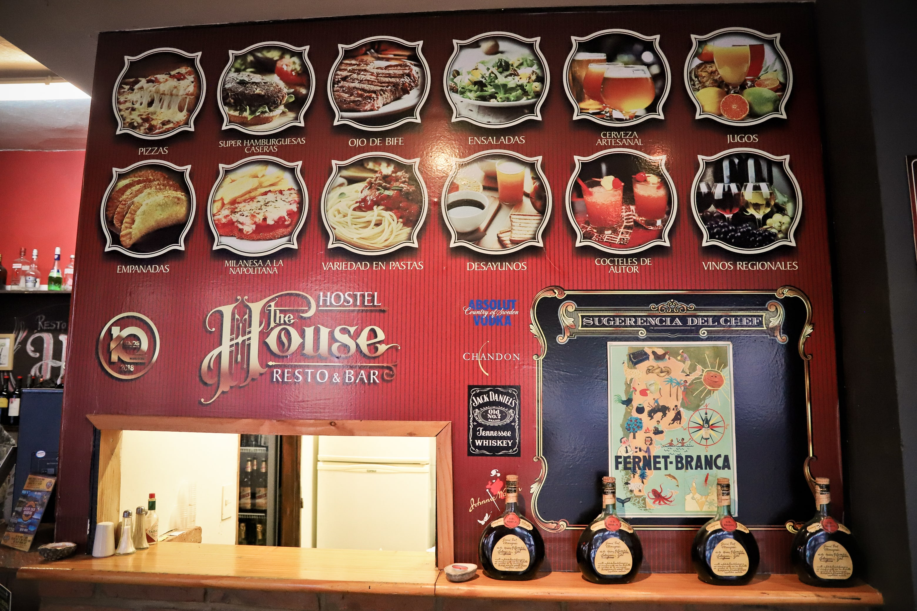 The House Hostel Resto & Bar