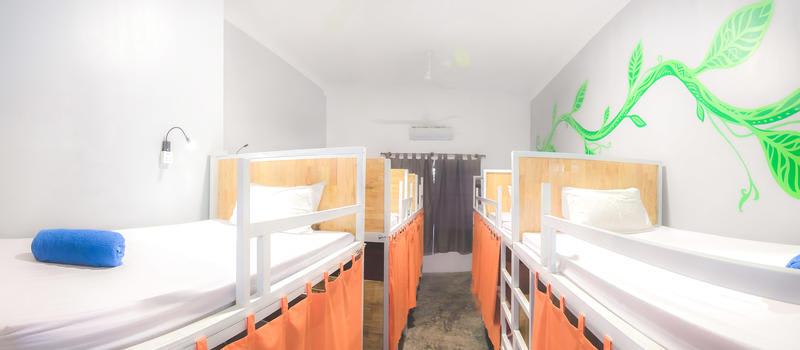 HOSTEL - Pool Party Hostel