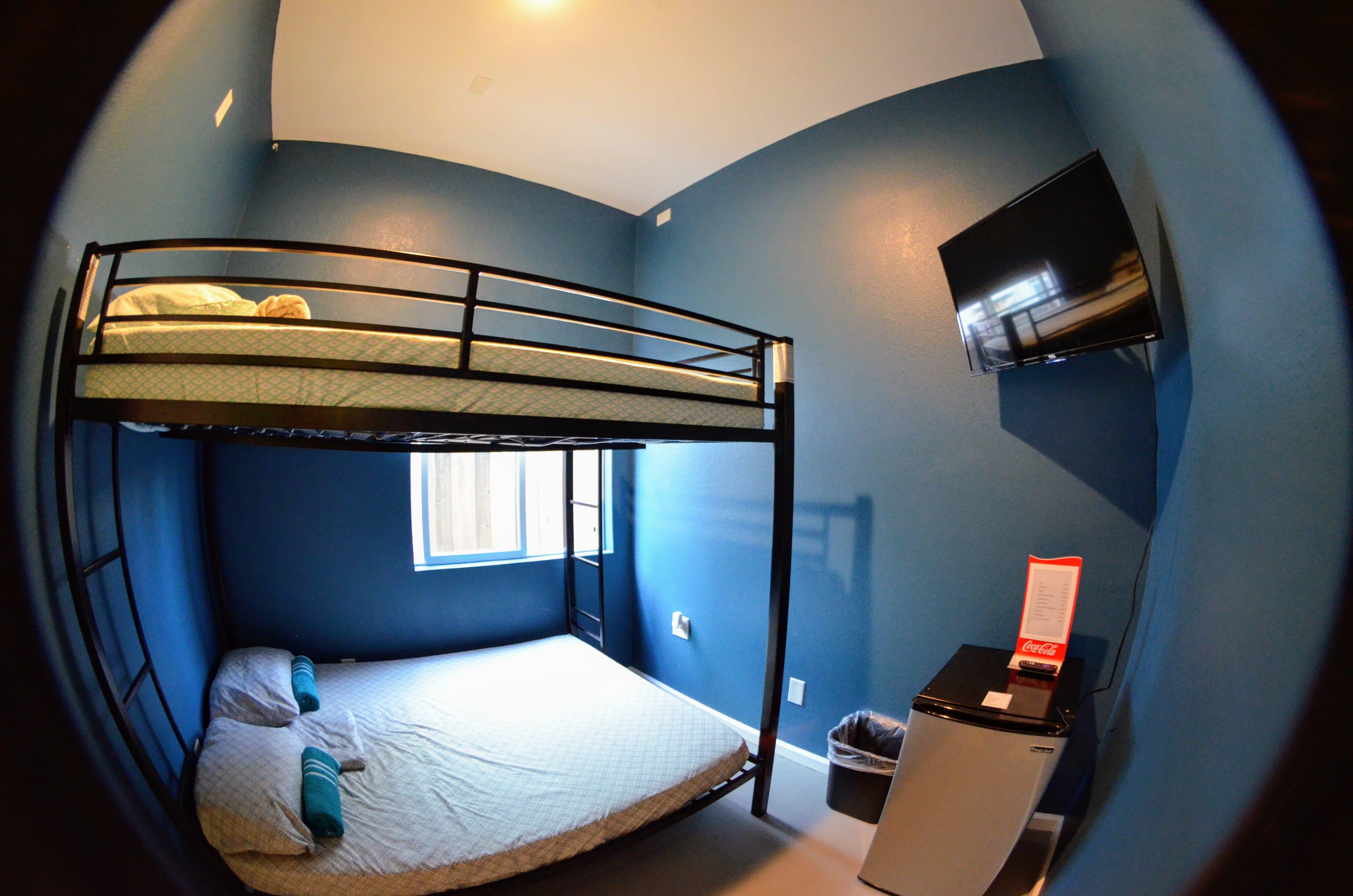HOSTEL - California Dreams Hostel