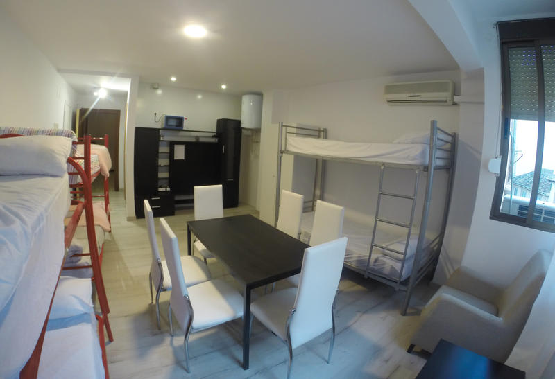 HOSTEL - Mesonhomes Suites Center