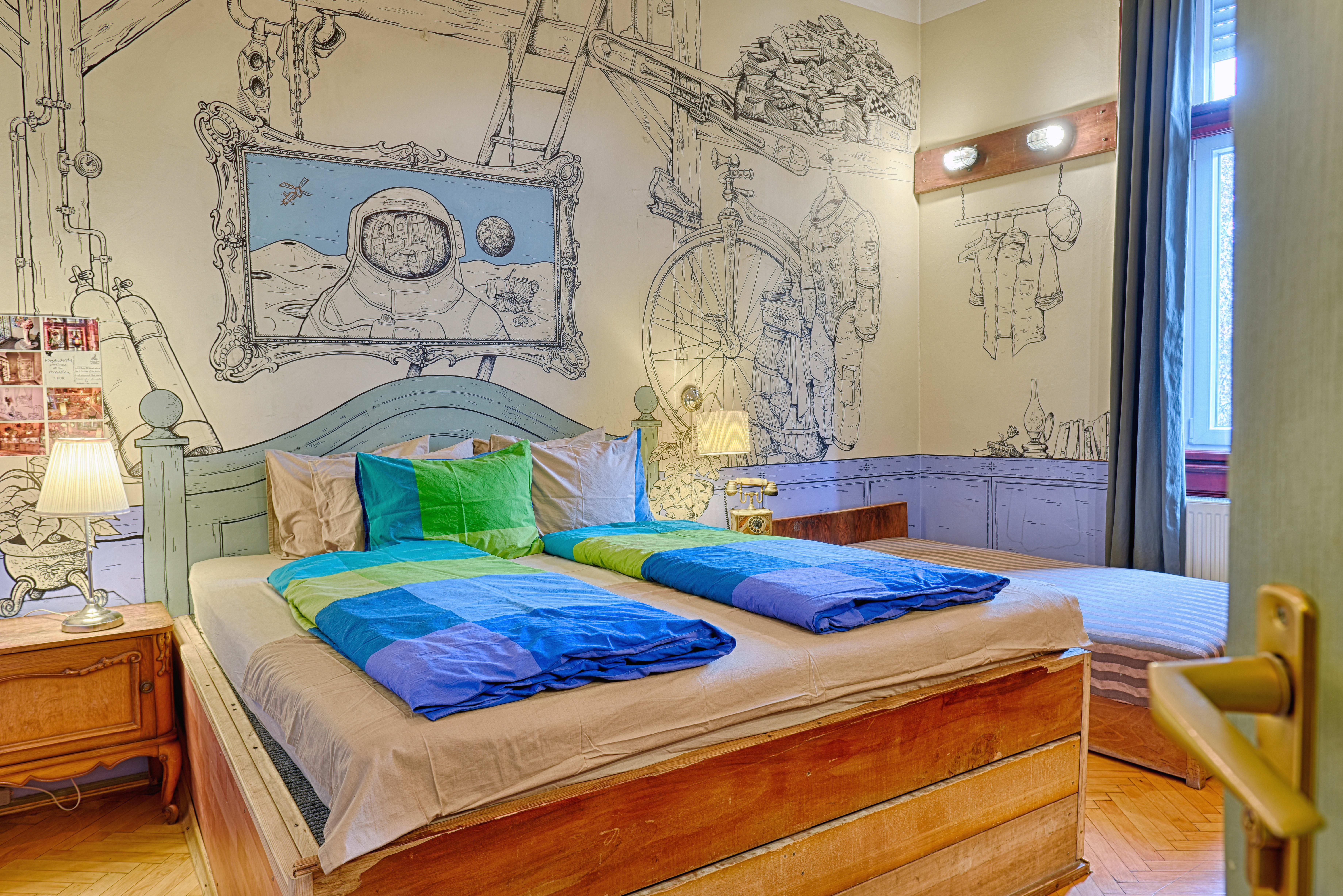 Lavender Circus Hostel, Doubles & Ensuites