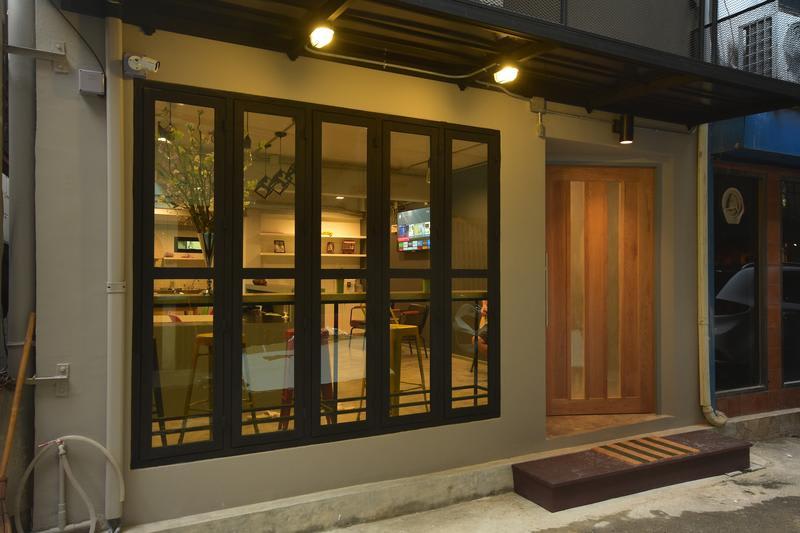 HOSTEL - The Chatbox Silom Hostel