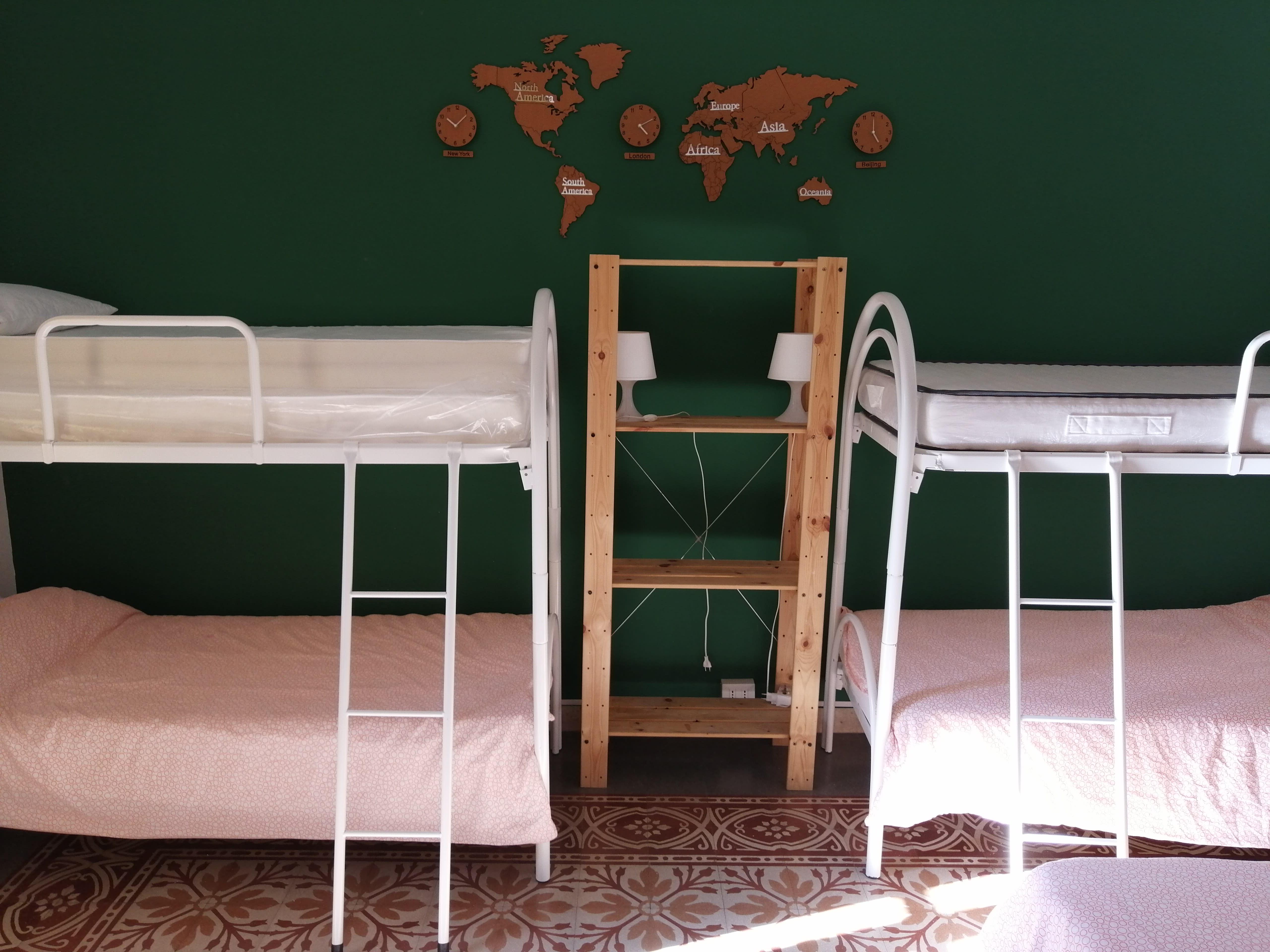 HOSTEL - Jonathan Hostel & GuestHouse
