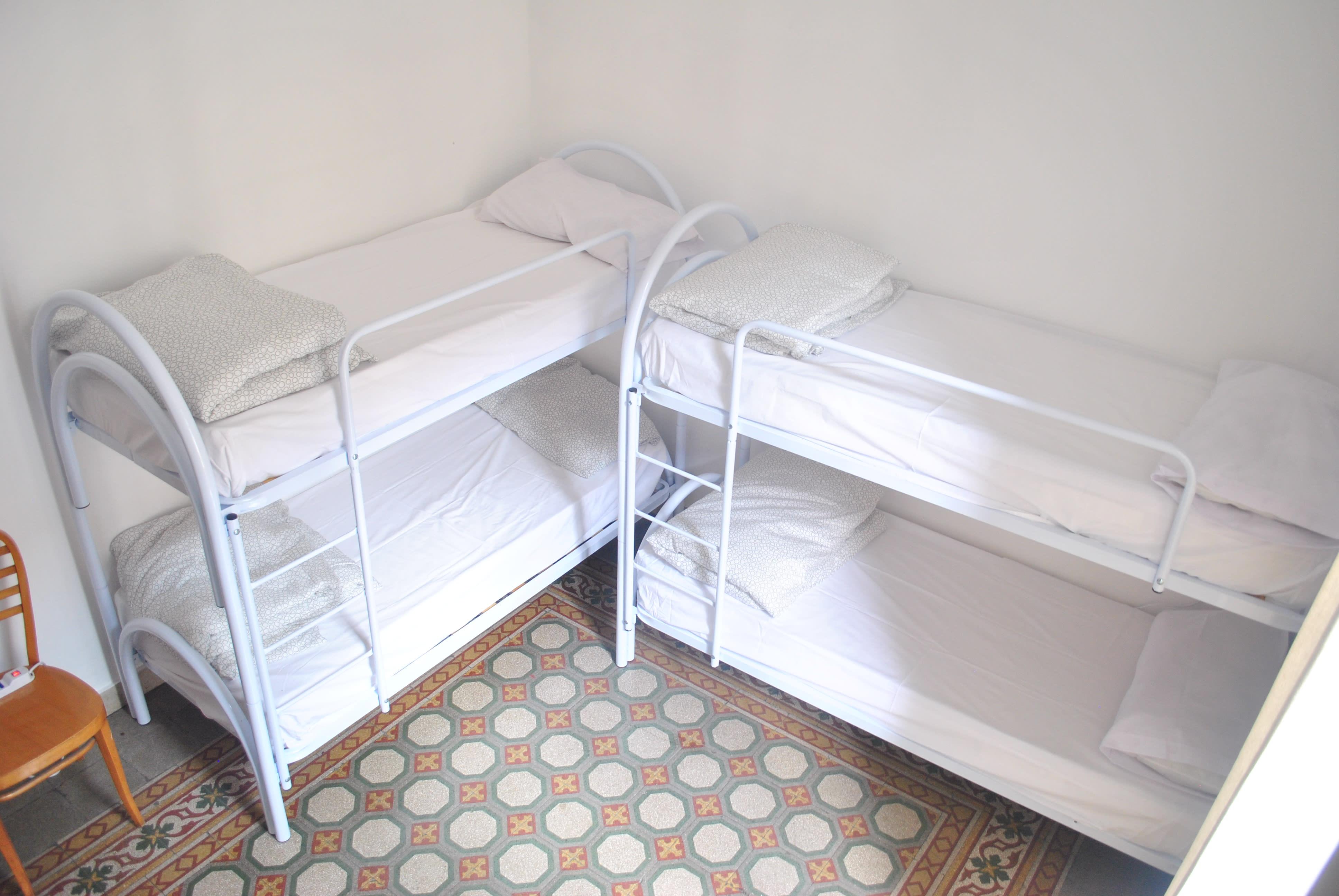 HOSTEL - Sunrise Hostel & Rooms