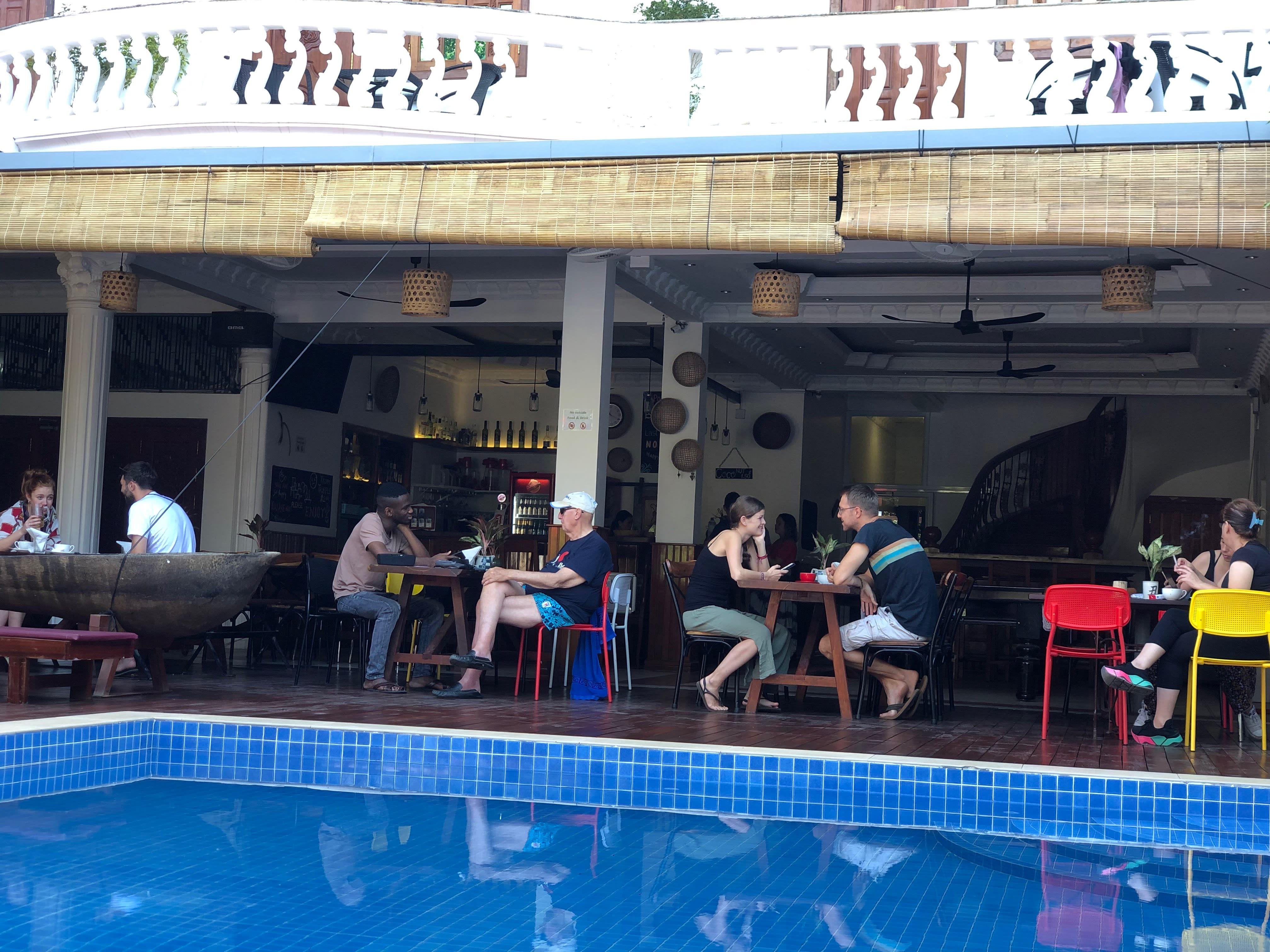 HOSTEL - Poolside Villa