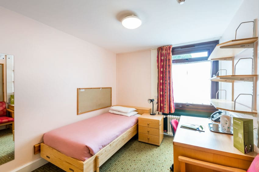 HOSTEL - Pollock Halls - Edinburgh First