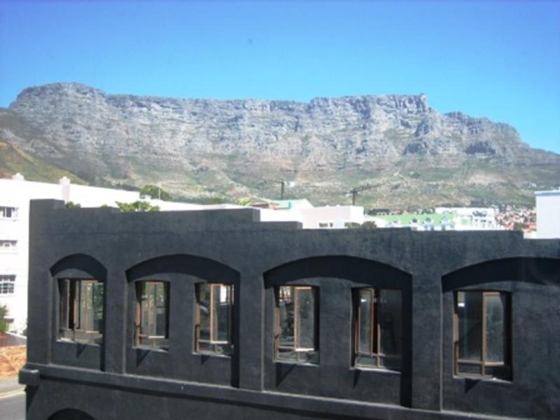 HOSTEL - District Six Backpackers