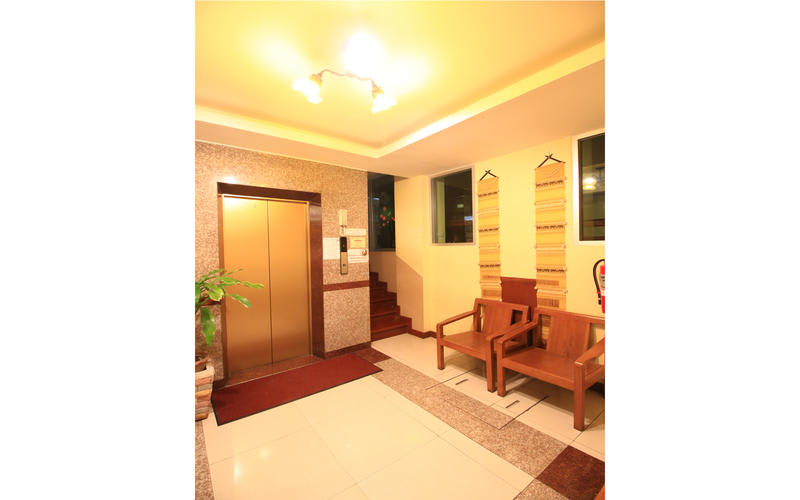 HOSTEL - Sunflower Place Silom