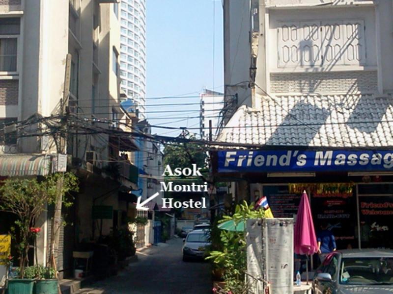 Asok Montri Hostel