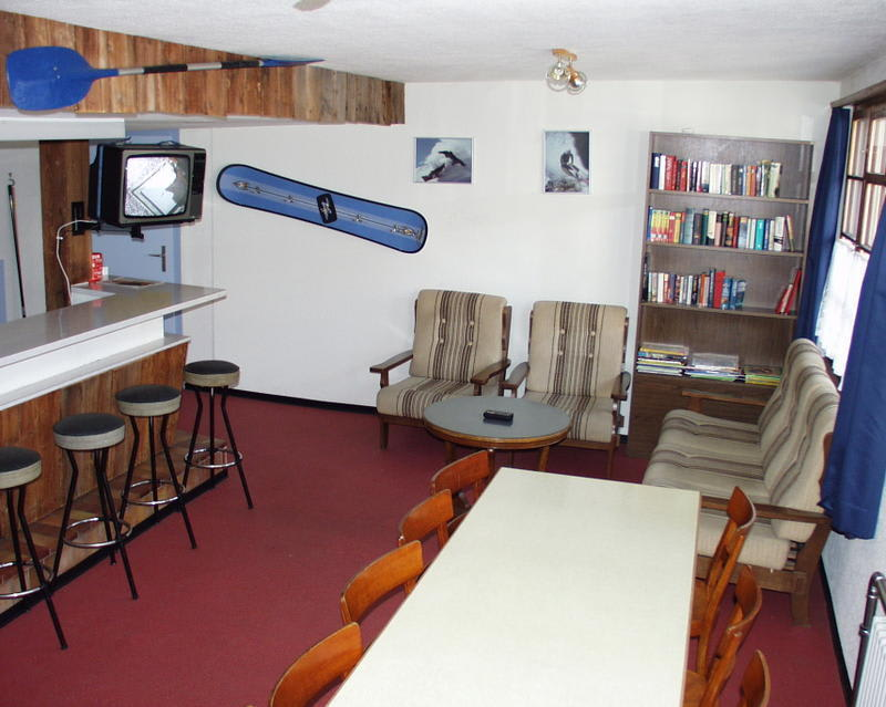 Hirschen Backpackers Hotel & Pub