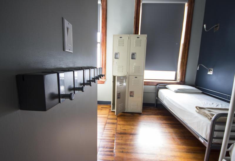HOSTEL - Q4 Hotel