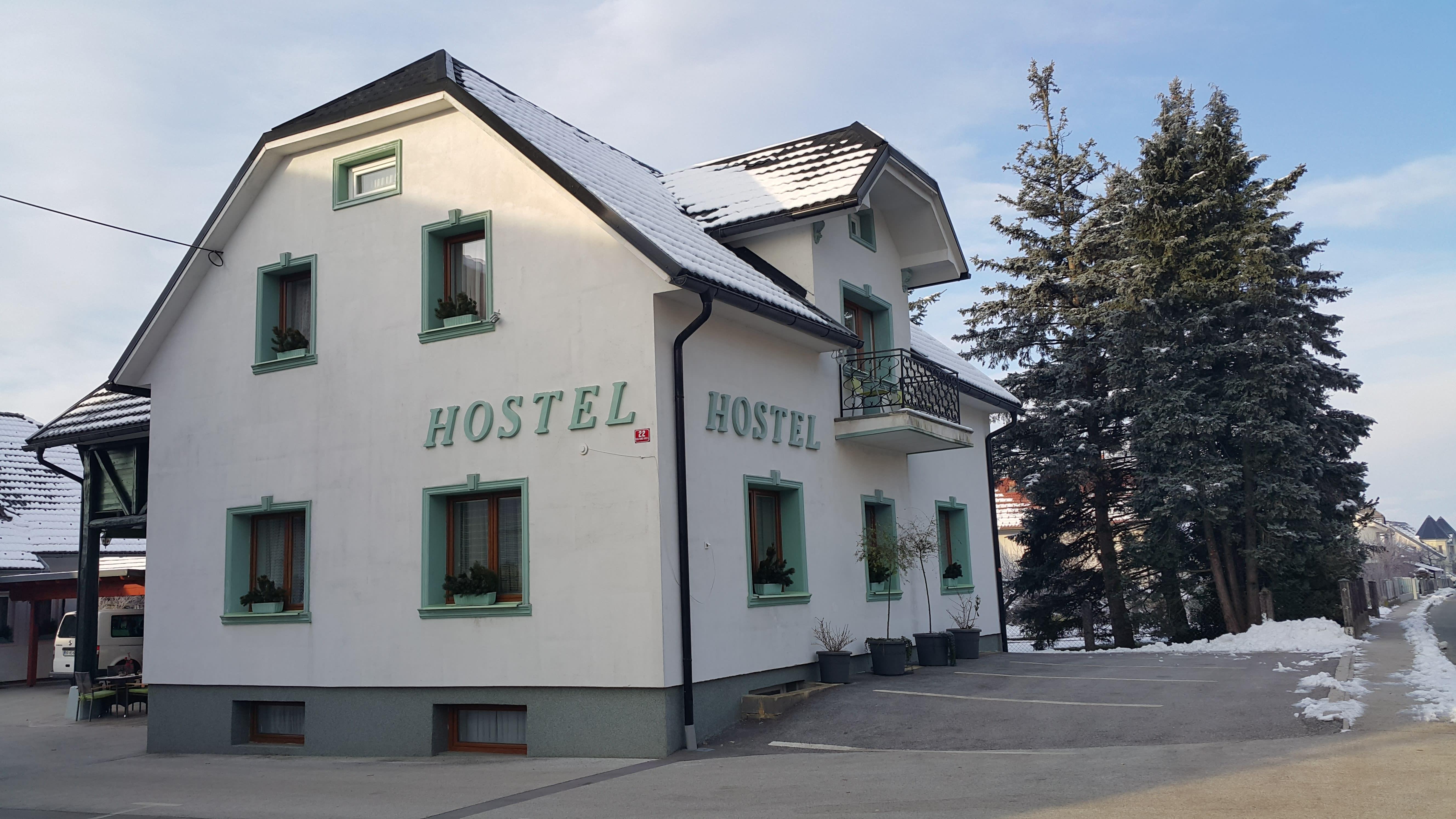 Hostel Mamina Hisa-Mamas House