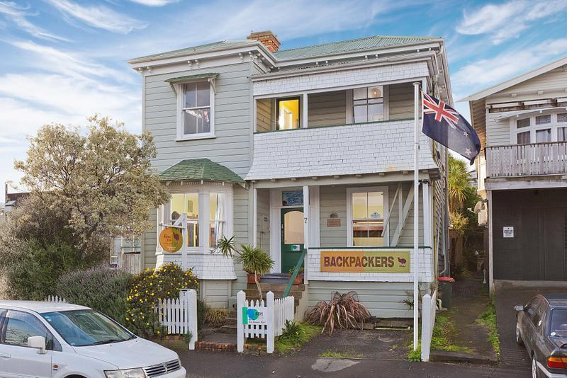 HOSTEL - Brown Kiwi Travellers Hostel