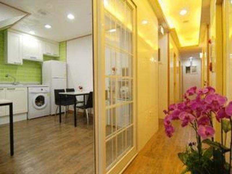 Elmtree Guest House Myeongdong