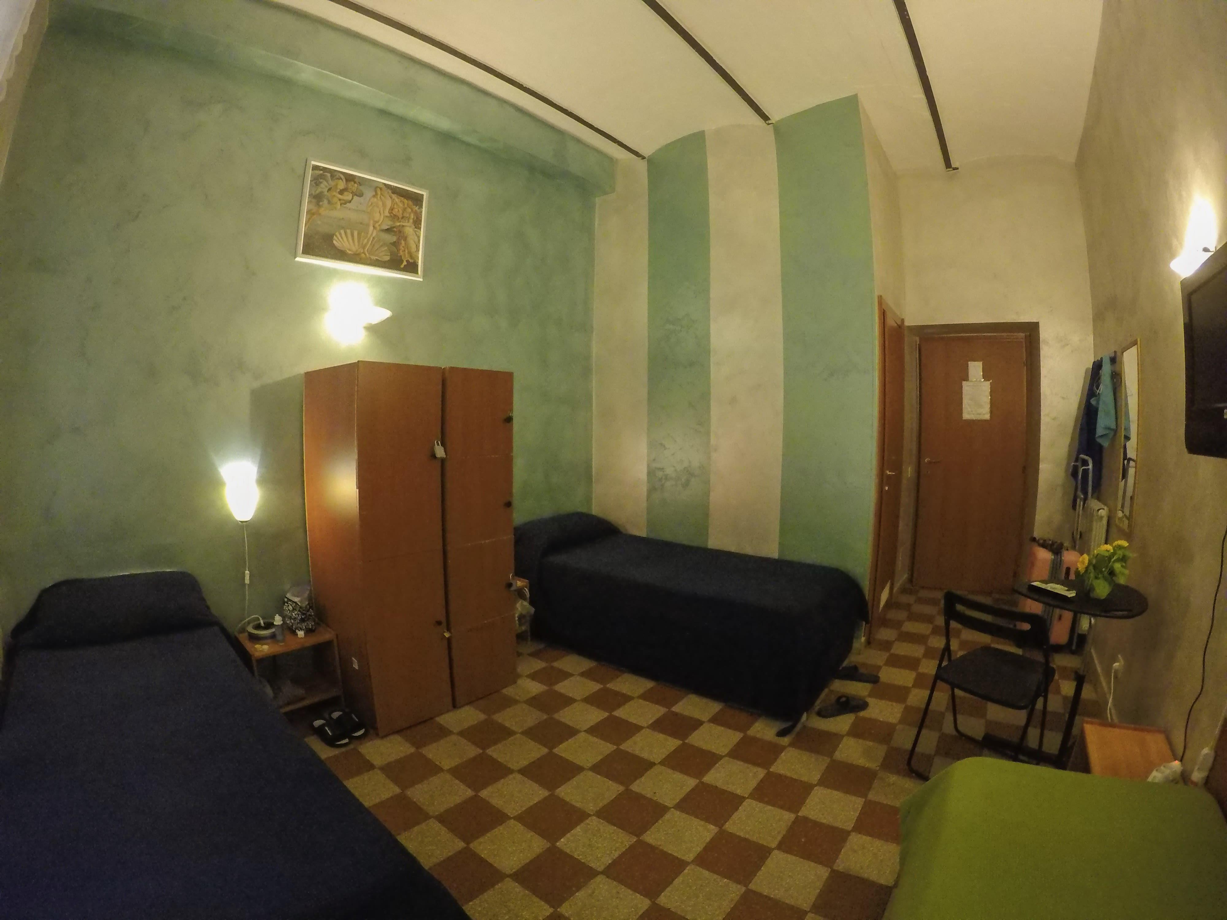 HOSTEL - Român Holidays