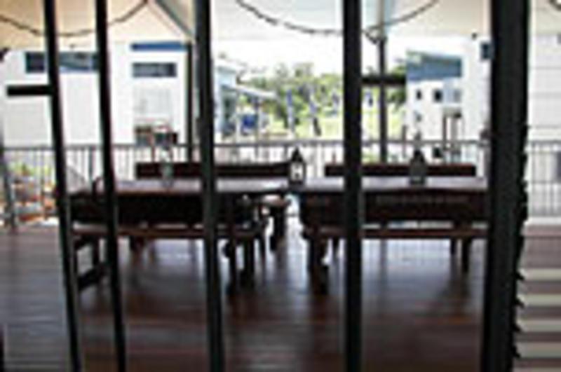 Emus Beach Resort