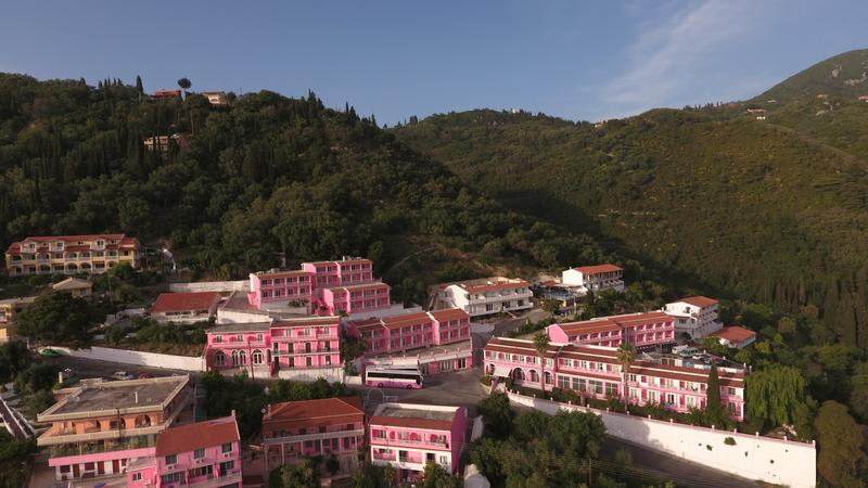 HOSTEL - The Pink Palace Hotel & Hostel