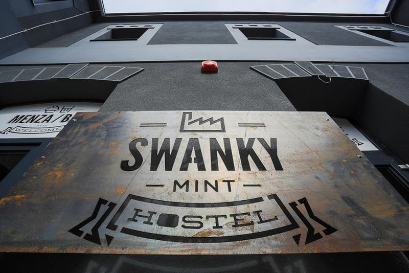 HOSTEL - Swanky Mint
