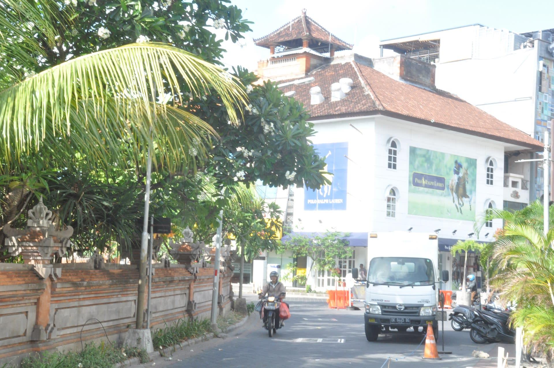 HOSTEL - Rumah Kayu Bali