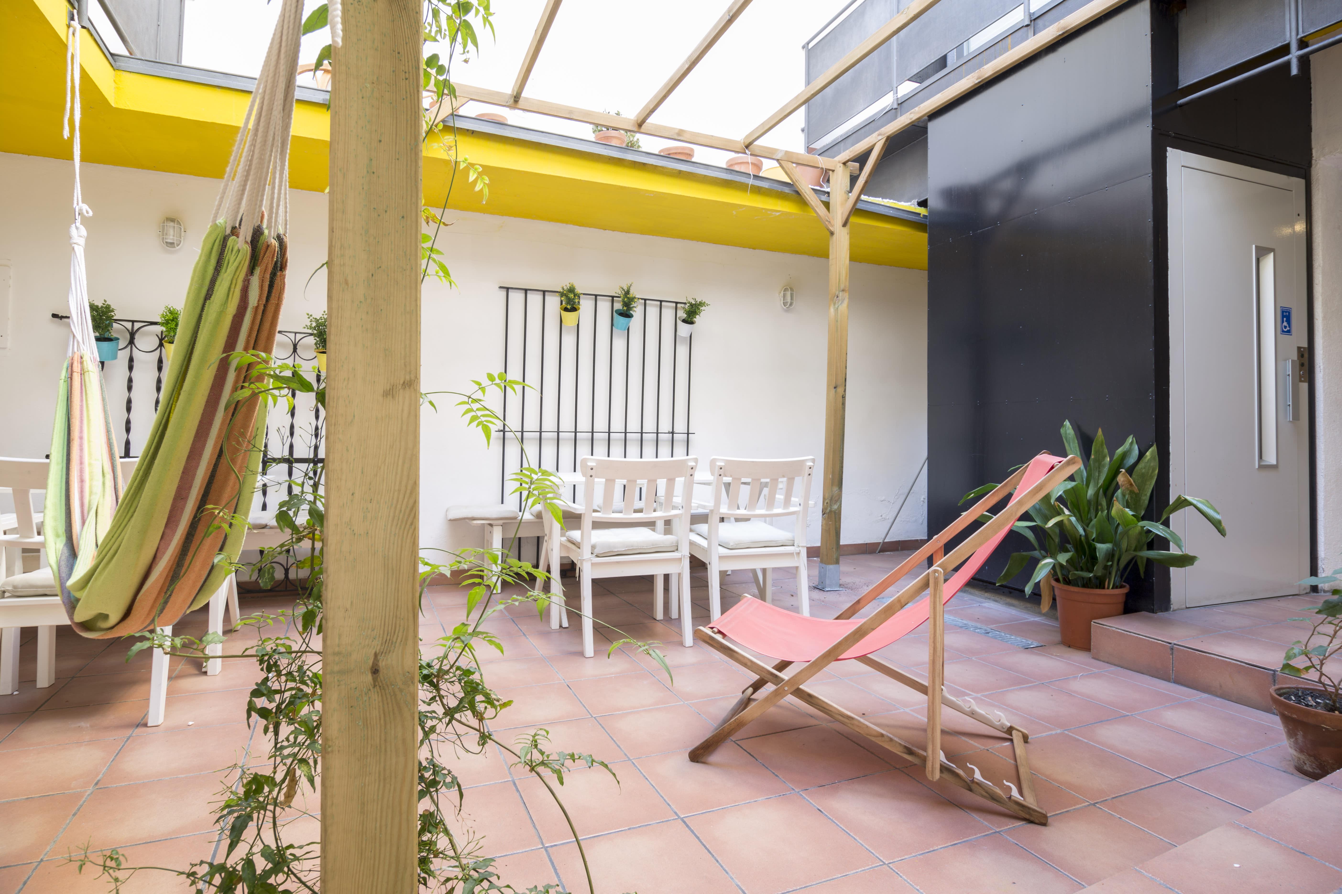 La Flor de Gaudi Hostel