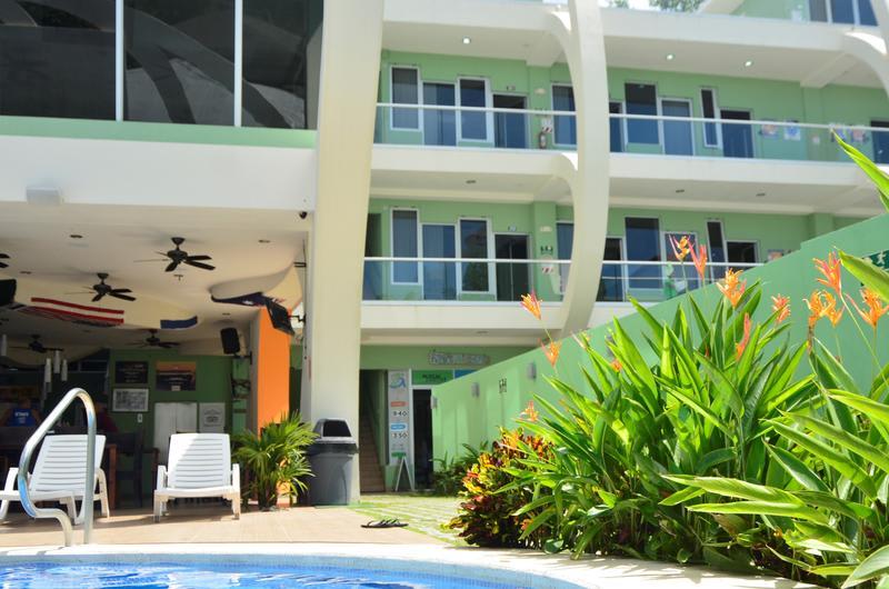 Room2Board Hostel