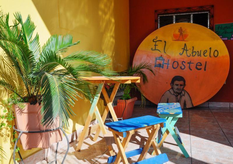 Abuelo Hostel