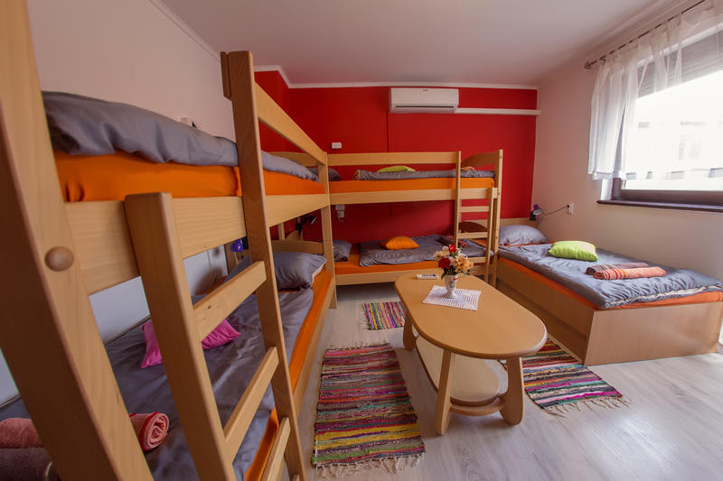 HOSTEL - Hostel and Guesthouse Adi