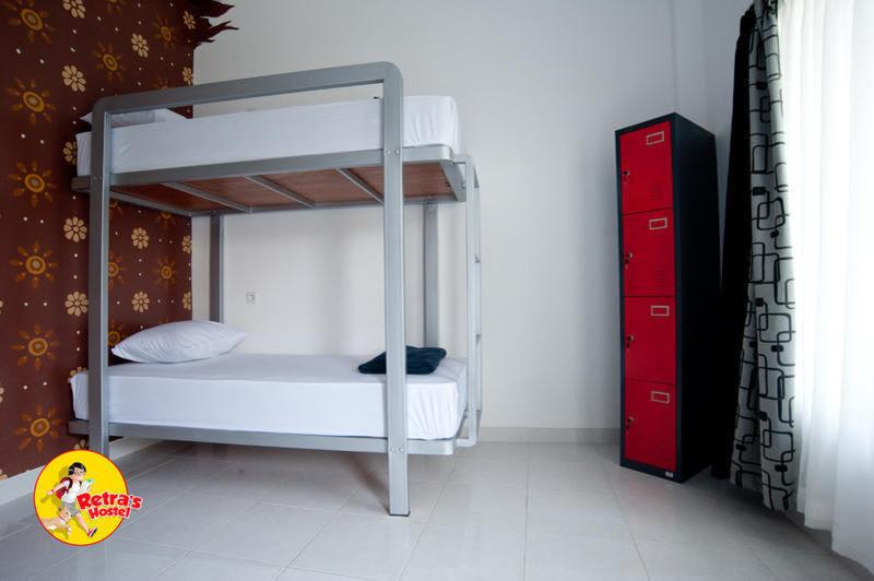 Retra's Hostel
