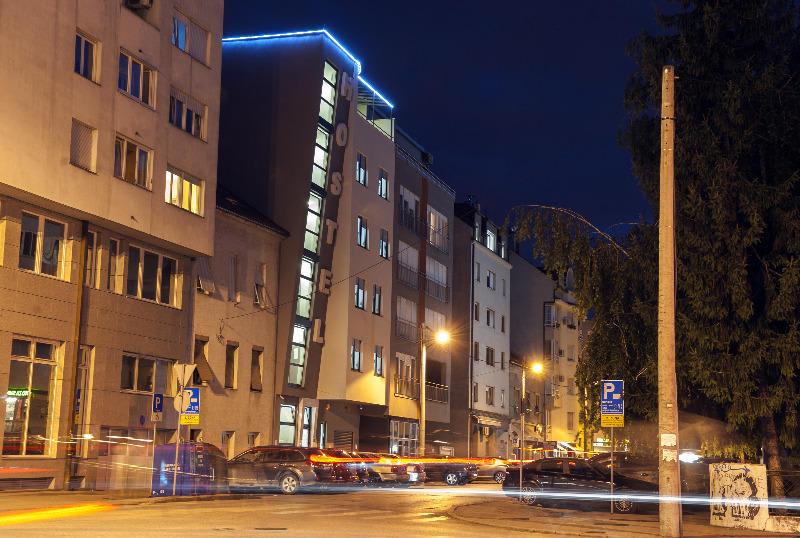 HOSTEL - Hostel Moving