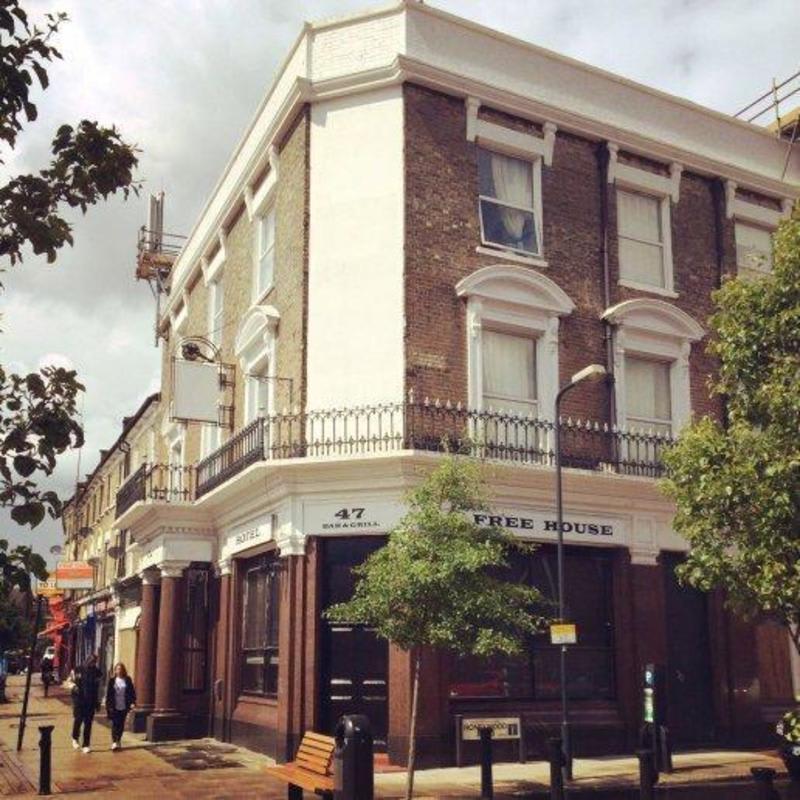 HOSTEL - Le Junction Hostel - Pub & Garden