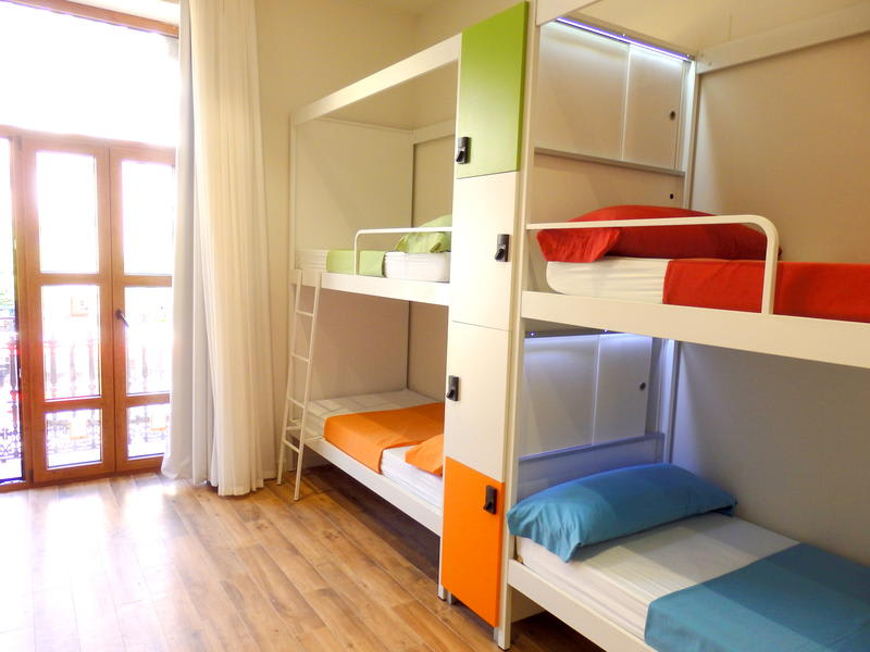 HOSTEL - Urban Youth Hostel