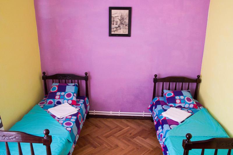 HOSTEL - Dvizh Hostel Eli Spali