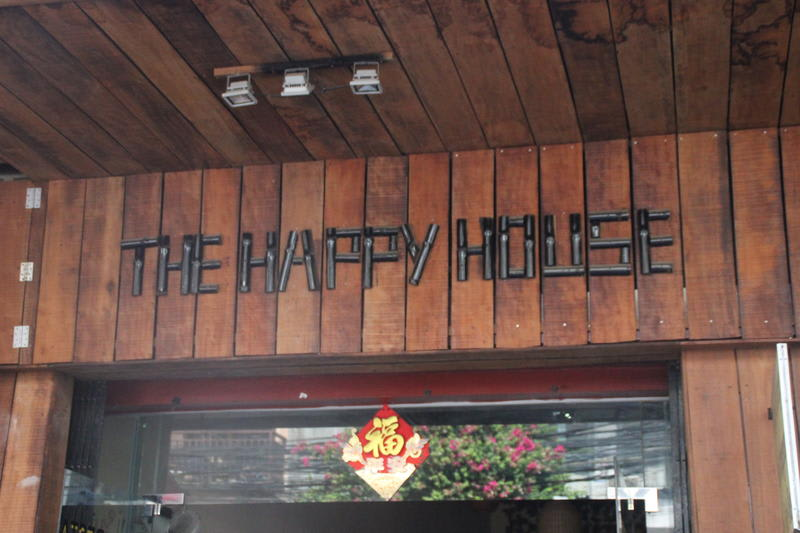 HOSTEL - The Happy House