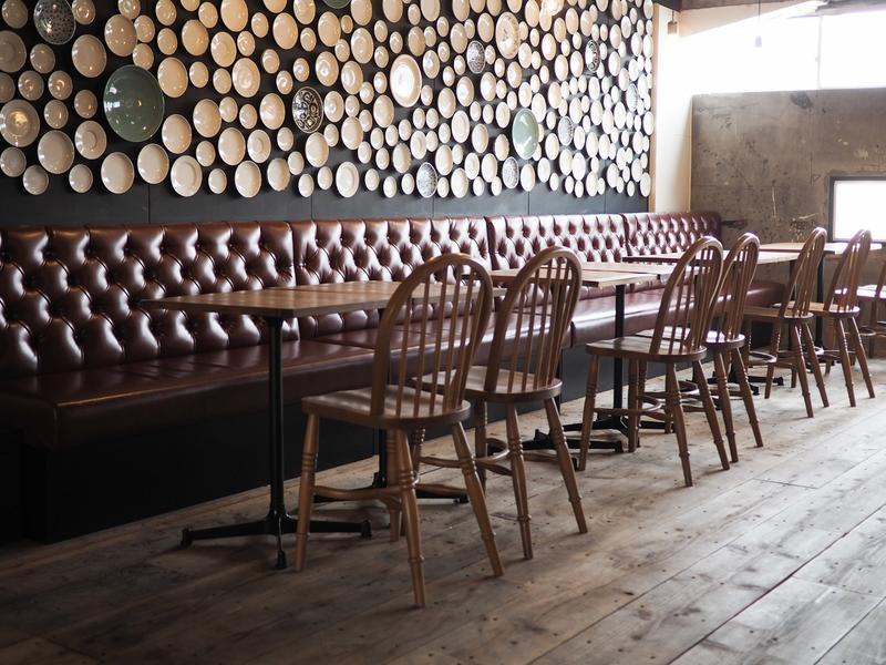 Hostel & Dining Tanga Table