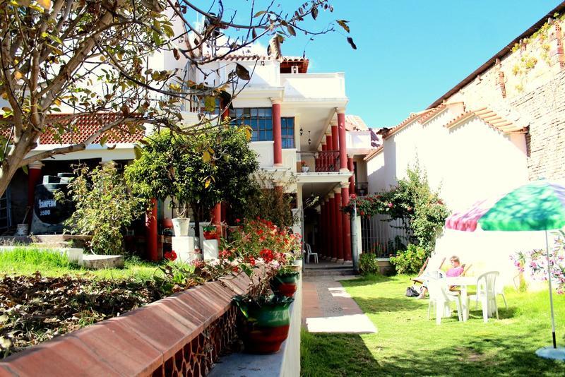 Villa Oropeza Hostel